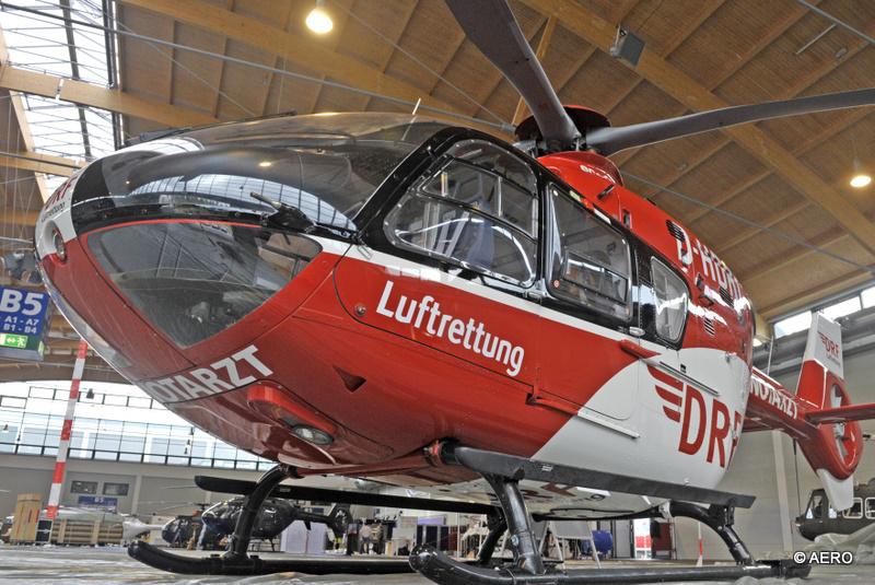 Halle B5: EUROCOPTER EC 135 der DRF Luftrettung.