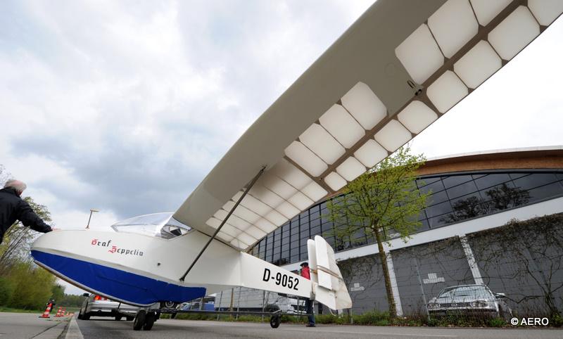 Freigelaende: Segelflugzeug Graf Zeppelin des LSC Luftsportclub Friedrichshafen.
