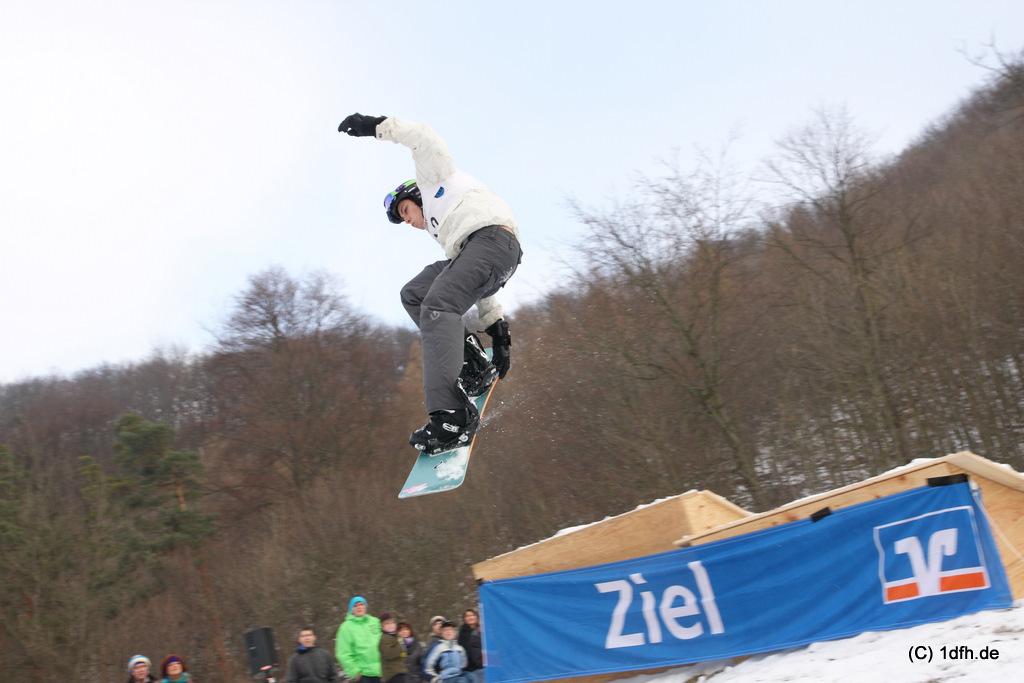 albnstyle-ghupft-wie-gsprunga-kicker-contest-am-pfullinger-wasen