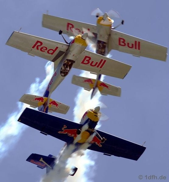 red-bull-air-race-interlaken-1dfh_z50