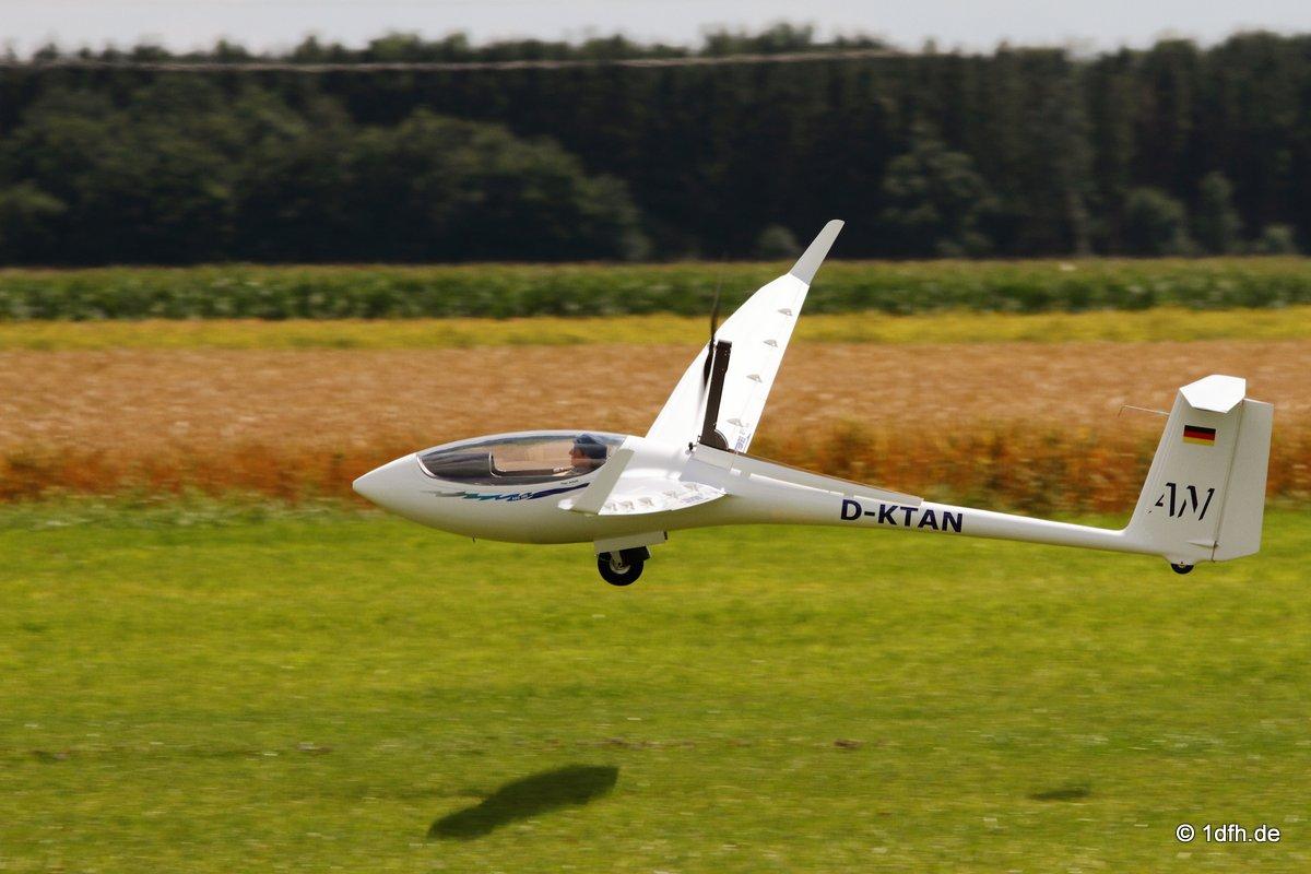 1dfh-segelflugmesse-22072012-047