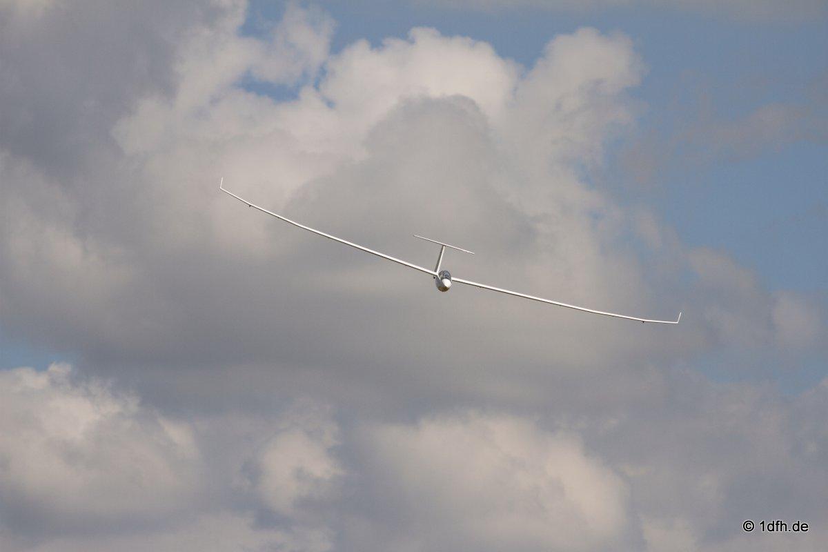 1dfh-segelflugmesse-22072012-103