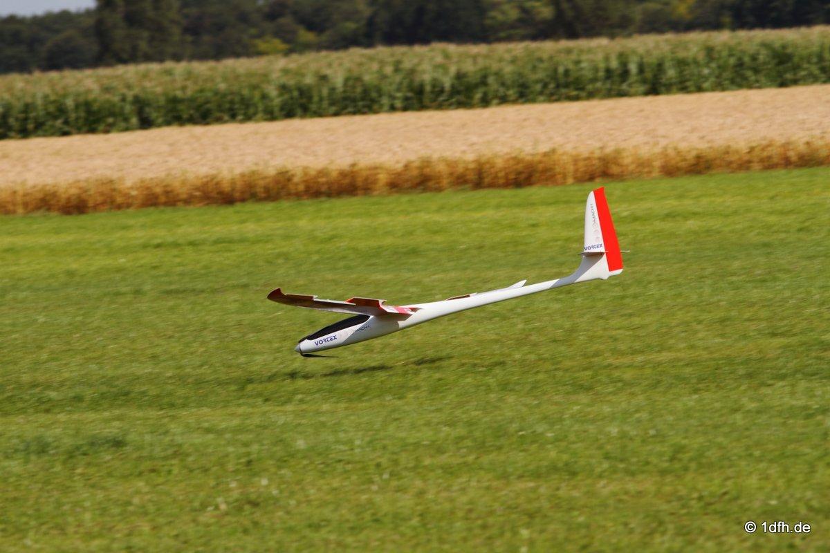 1dfh-segelflugmesse-22072012-124
