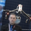 Globe Flight zeigt einen Carbon Quadcopter mit 12 Megapixel Kamera. (Globe Flight displays a Carbon Quadcopter with a 12 megapixel camera.)