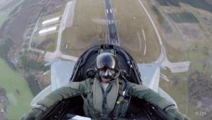 Die Steilflugphase nach dem Start gehört zu den beeindruckendsten Momenten der Eurofighter-Ausbildung auf dem Luftwaffenstützpunkt in Rostock-Laage.