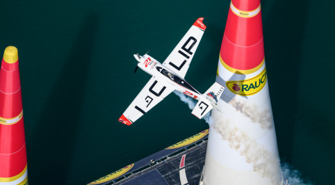 Red Bull Air Race Saisonauftakt in Abu Dhabi: Dolderer frustriert nach erneuter Strafe