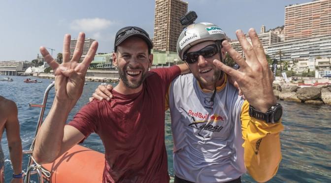 Schweizer Fliegerass gewinnt das weltweit härteste Adventure Rennen